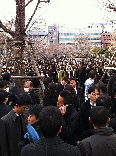 2011年(平成23年)3月11日(金)の避難時の坂本町公園(日本橋兜町)の様子