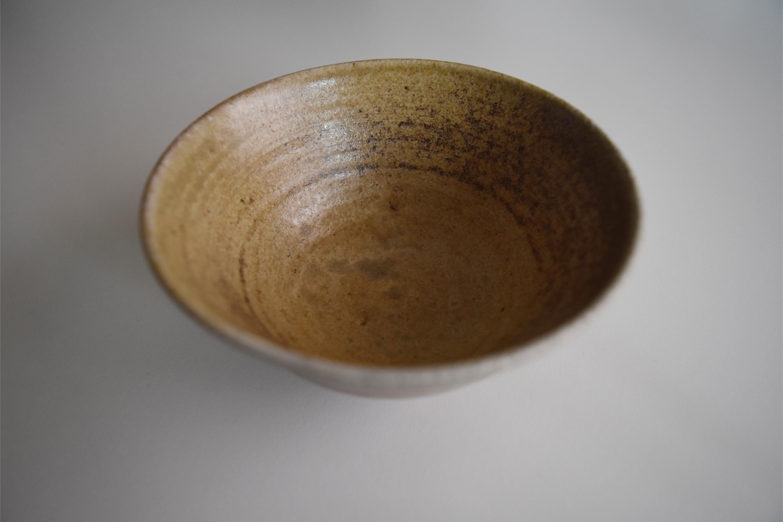 陶器のお茶碗