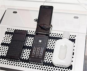 コンセントや充電が不要な携帯電話